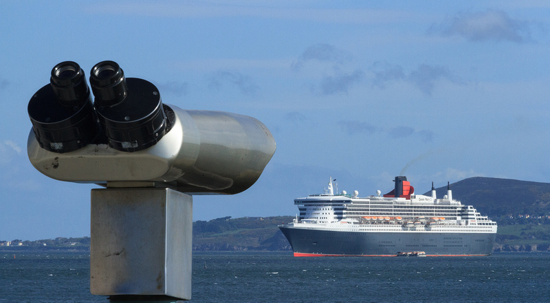 42-Queen Mary 2 by John Coveney