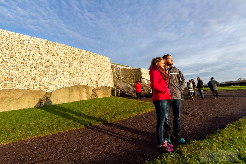 011-Newgrange-Solstice-©-2016-John-Coveney