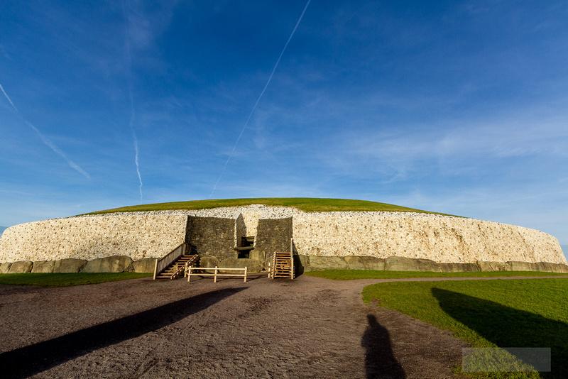 021-Newgrange-Solstice-©-2016-John-Coveney
