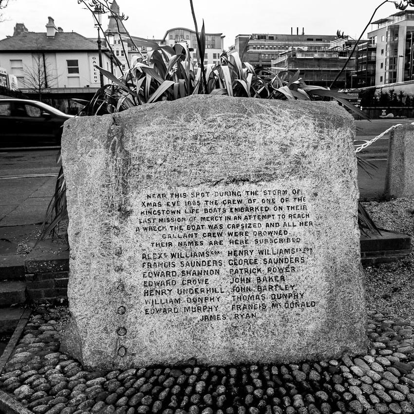 067-20171224-RNLI-Memorial-Dun-Laoghaire-©-2017-John-Coveney