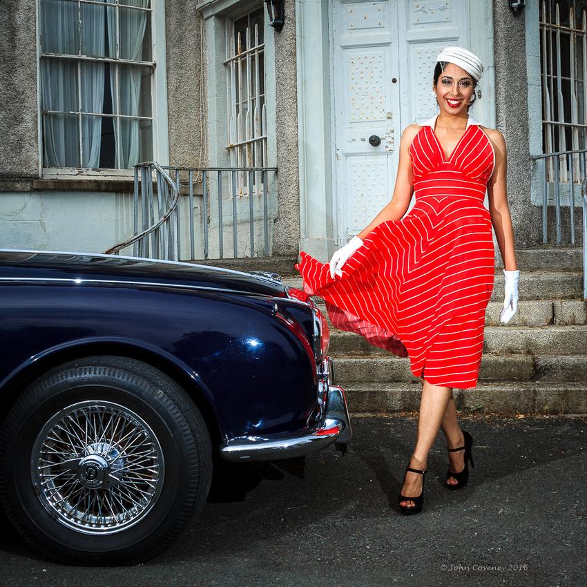013-Vintage-Fashion-Car-Blog-©-2016-John-Coveney