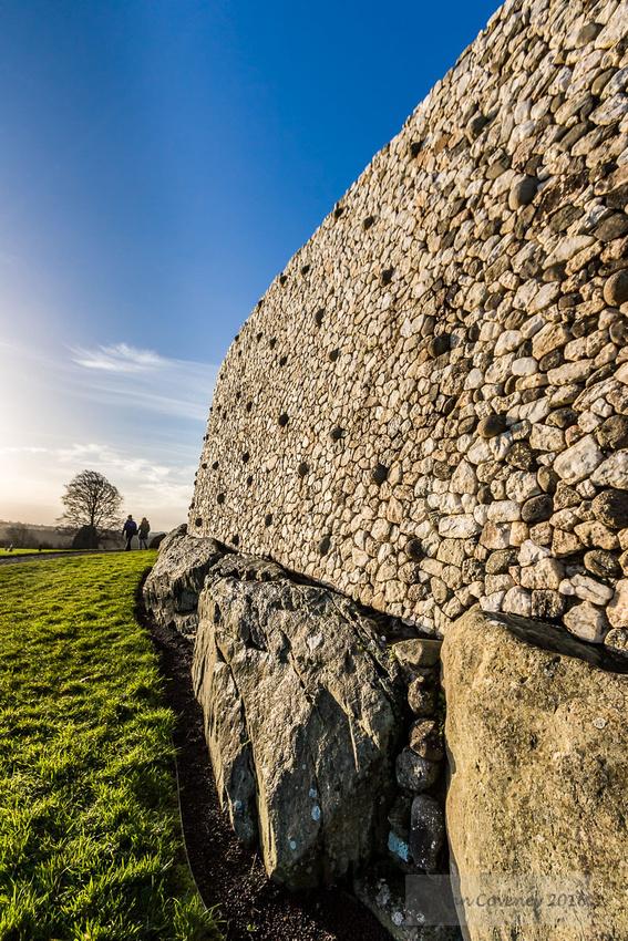 25-2016-Solstice-Newgrange-©-2017-John-Coveney
