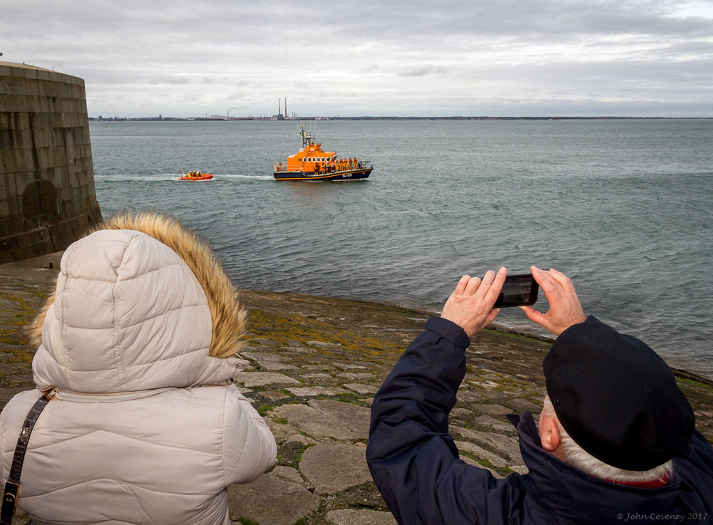 024-20171224-RNLI-Memorial-Dun-Laoghaire-©-2017-John-Coveney
