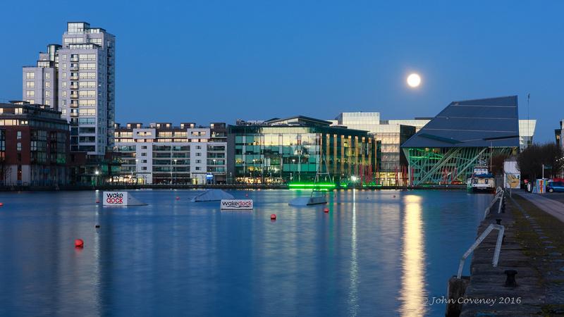 001-Docklands-Moon ©-John-Coveney-2016