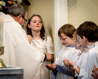 072-StAnnes-Communion1-©-2016-John-Coveney